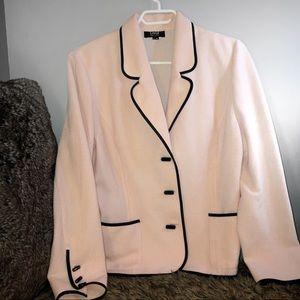 Jackets & Blazers - ❄️ Girly & Classy Blazer ❄️